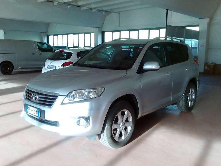 Toyota Rav 4 (2)
