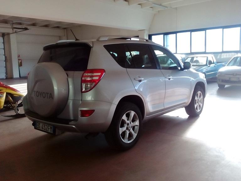 Toyota Rav 4 (7)