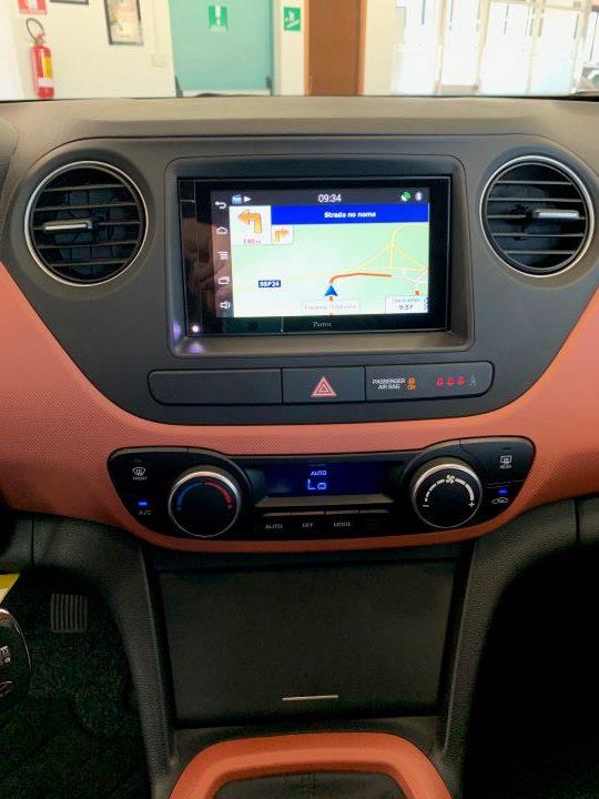 Hyundai i10 1.2 84cv Sound Edition (6)