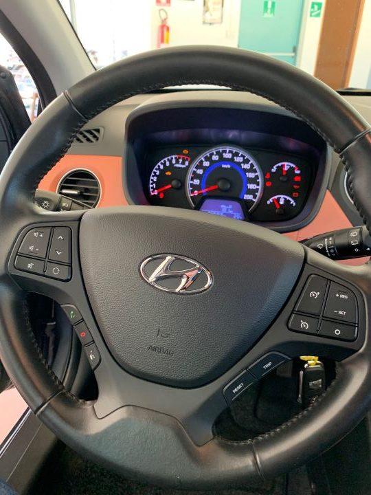 Hyundai i10 1.2 84cv Sound Edition (7)