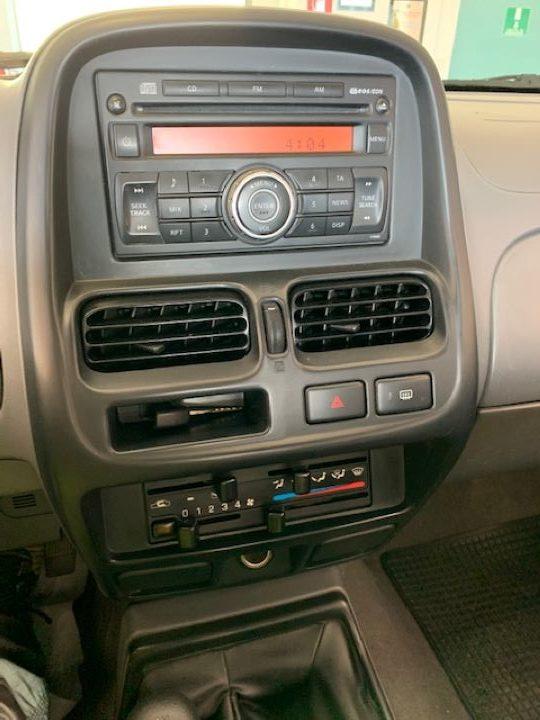 Nissan Navara 2.5 cDi King Cab NP300 (3)