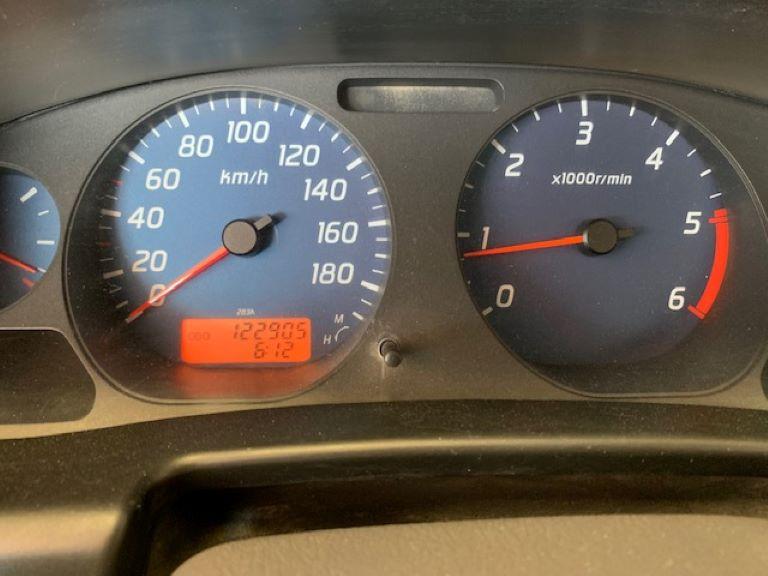 Nissan Navara 2.5 cDi King Cab NP300 (4)