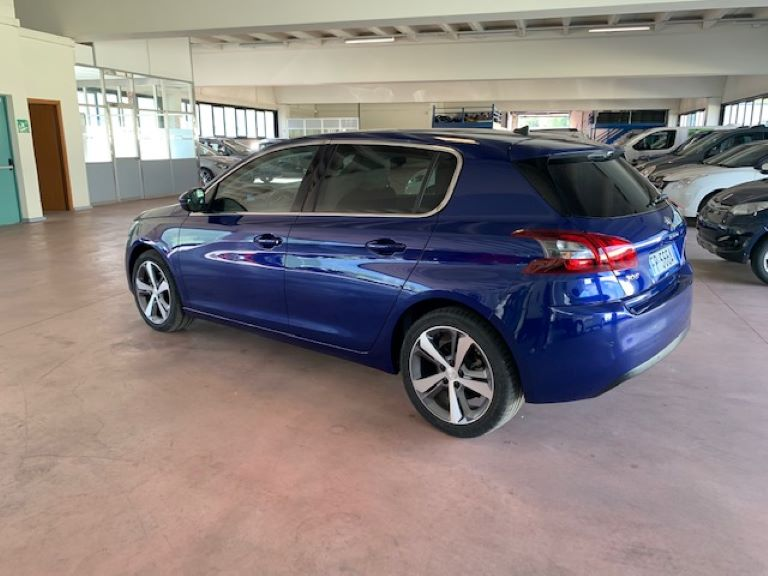 Peugeot 308 1.5 BHDi 130cv S&S Allure (5)