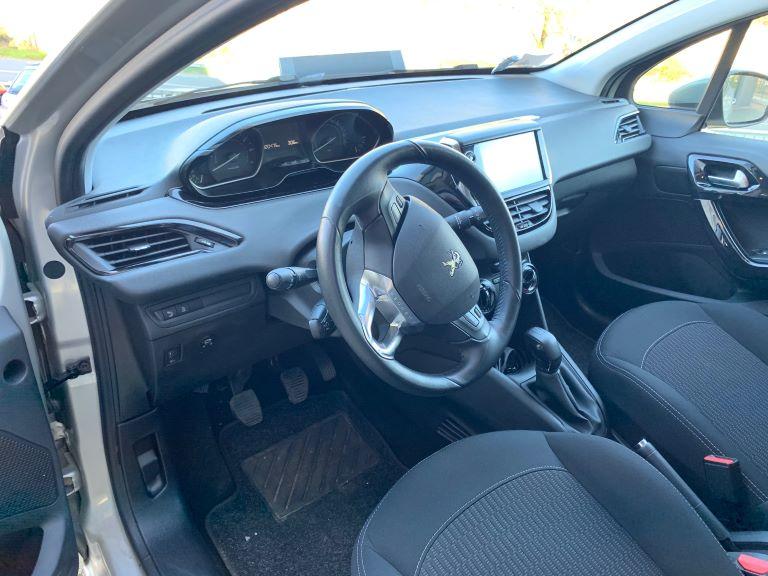 Peugeot 208 1.2 PureTech 82cv Active + GPL (6)
